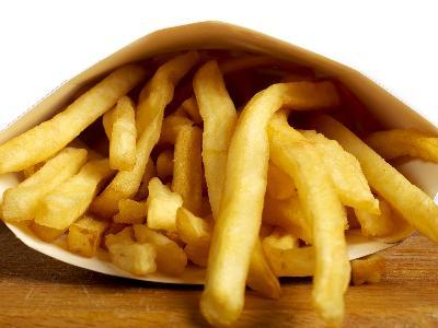 Trans fat, such as vegetable oil, is often used to cook or fry foods.