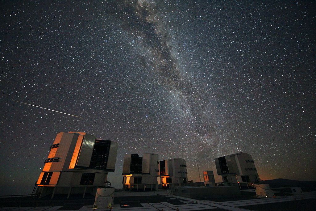 A view of the Perseid meteor shower over the VLT at the European Space Observatory