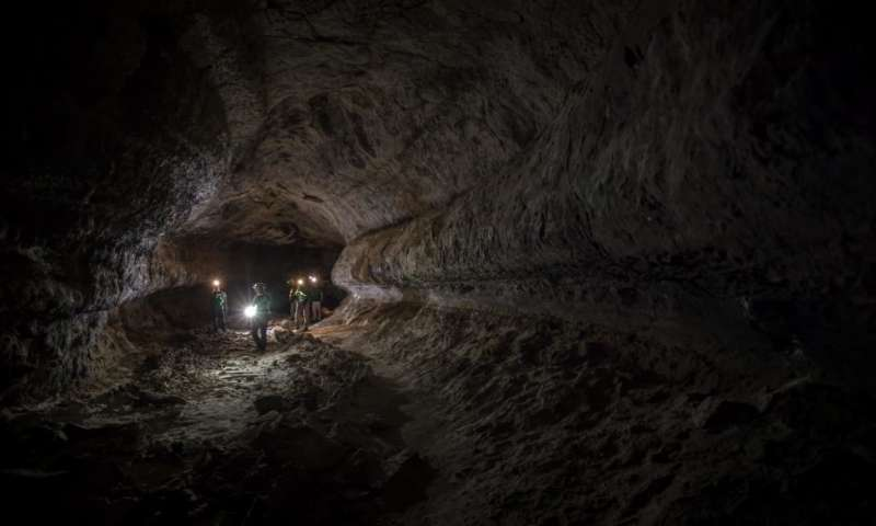 ESA astronauts explore naturally-occuring lava tubes right here on Earth.