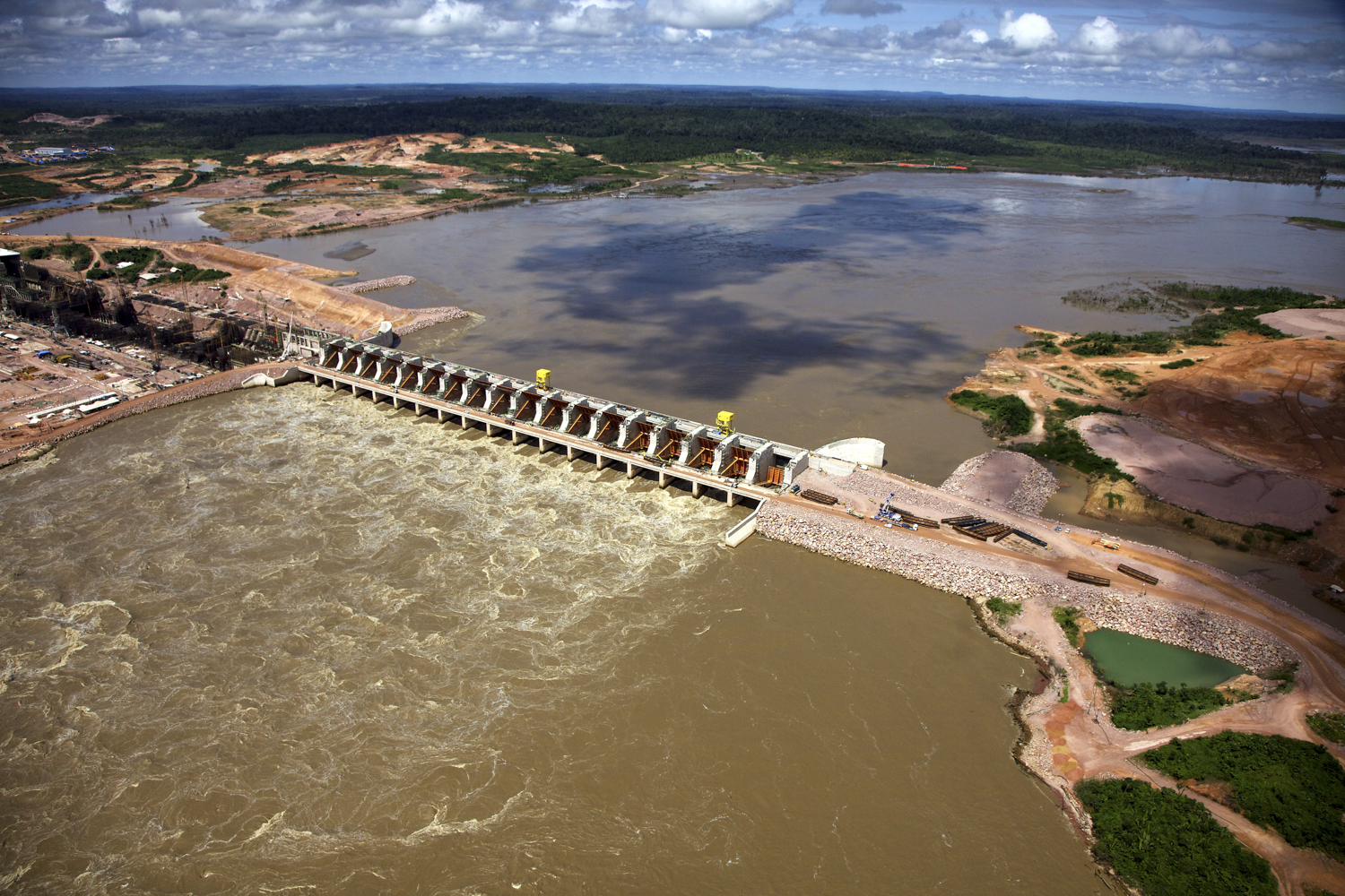 At what cost? Dams on the Amazon will significantly alter sediment flow. Photo: National Geographic