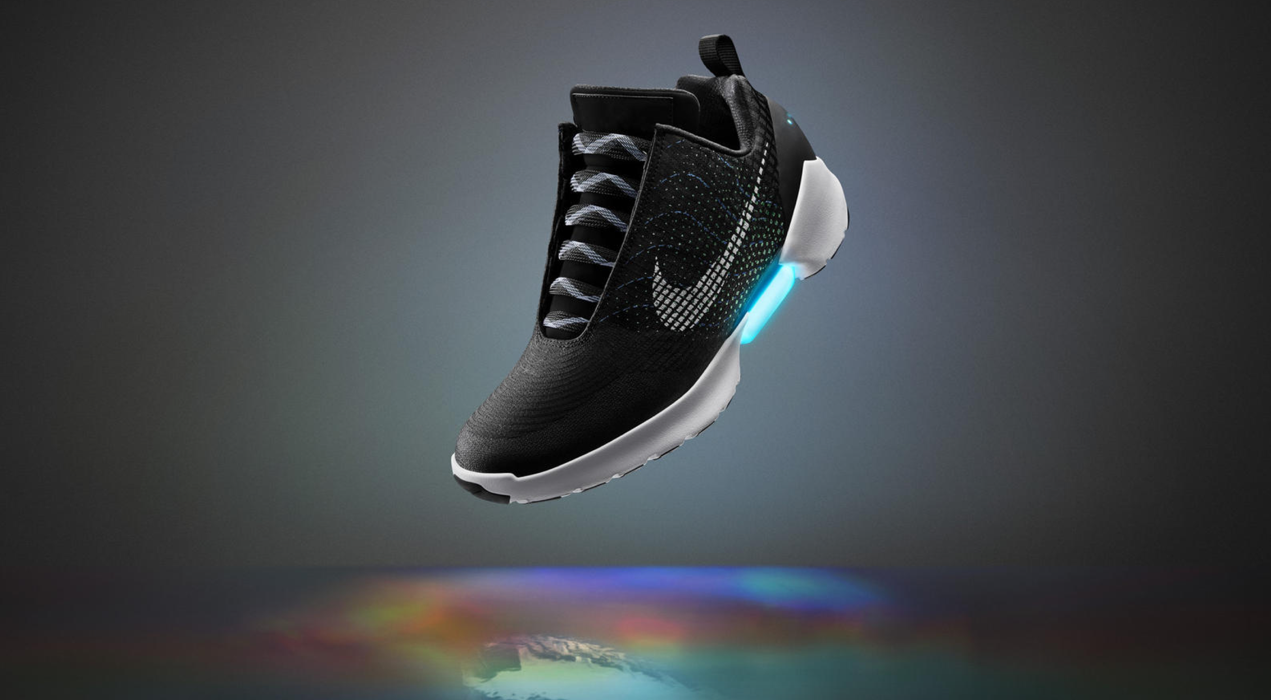 Nike's HyperAdapt 1.0 self-lacing shoes will soft launch for Nike+ members at the end of 2016.