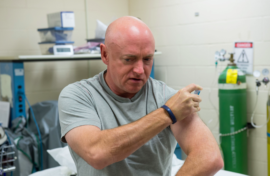 View of former astronaut Mark Kelly during his lab testing and flu shot in support of the Twins Study with his brother Scott Kelly. / Credit: NASA