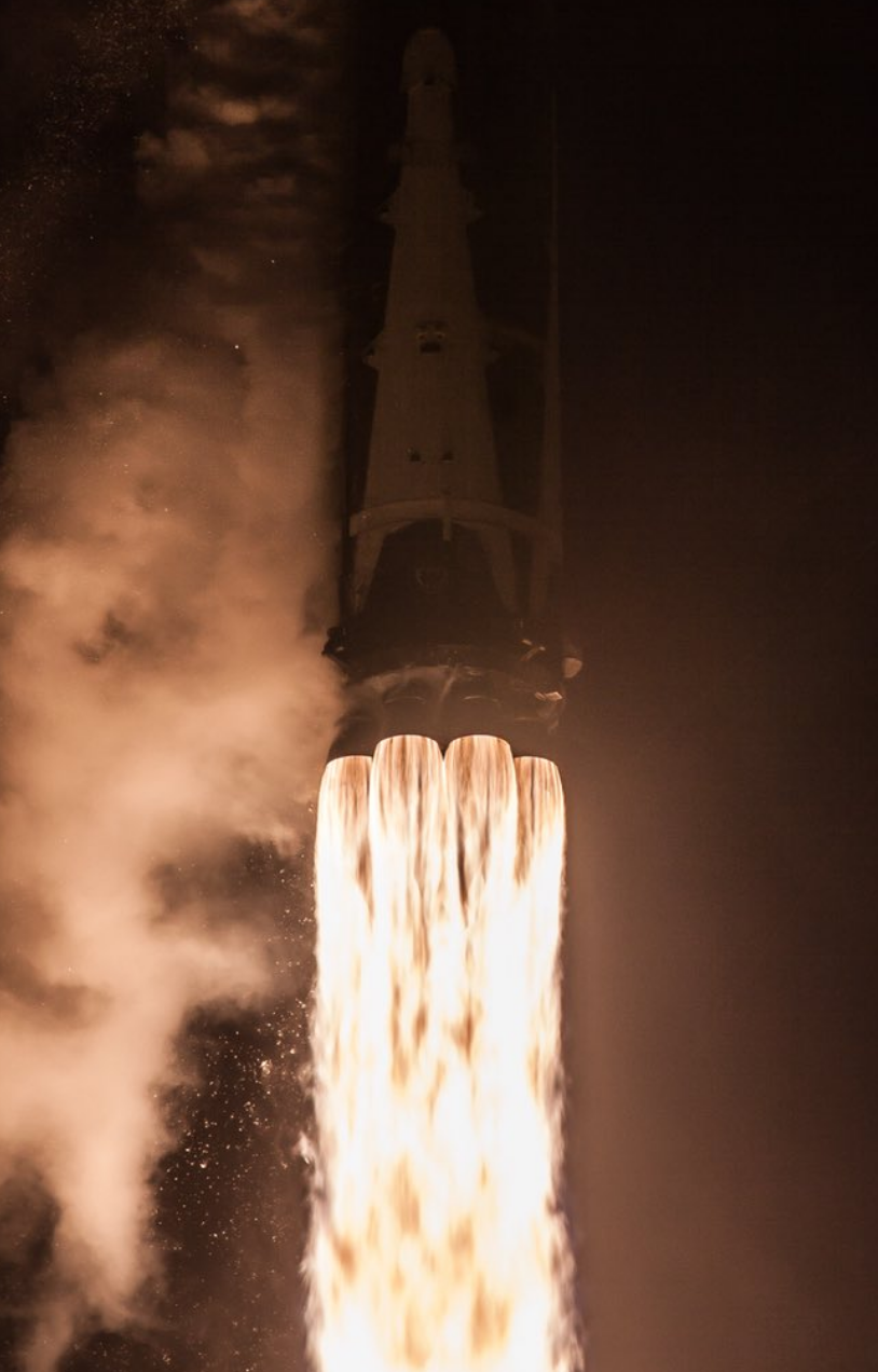 A fantastic shot of the Falcon 9's nine Merlin engines as the rocket lifted off from the launch pad.