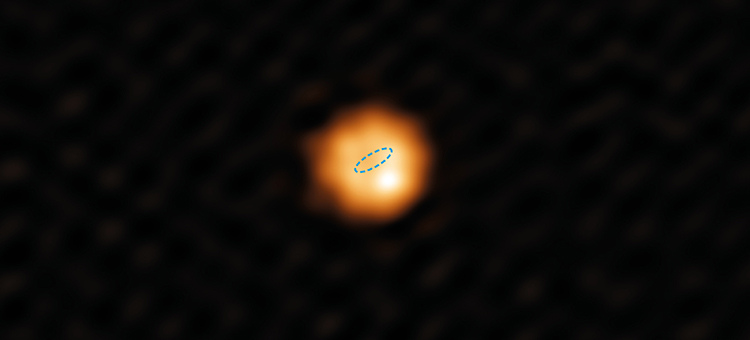 W Hydrae as seen from the ALMA. The circle represents the size of Earth's orbit around the Sun, emphasizing just how large this star actually is.
