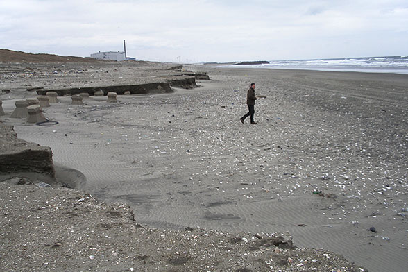Kahima Beach in Japan is experiencing beach loss from erosion. Photo: Coastal Care