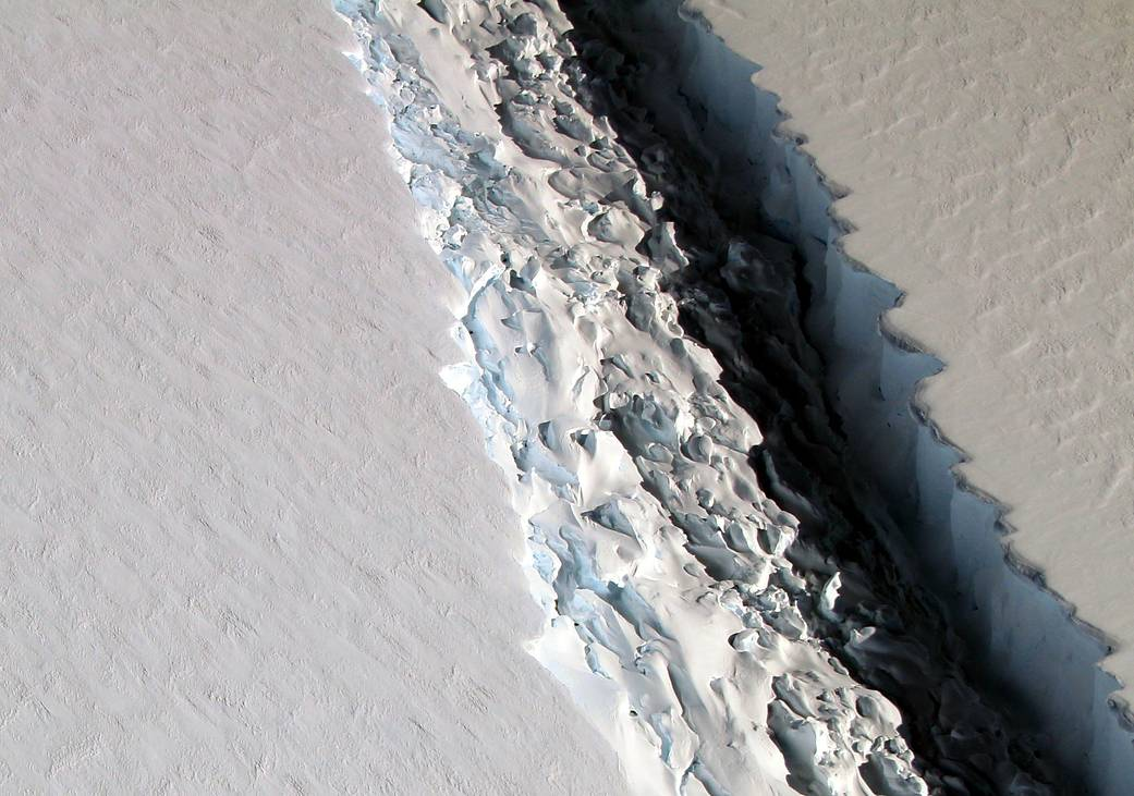 The following rift has been spotted in Antarctica's Larsen C ice shelf.