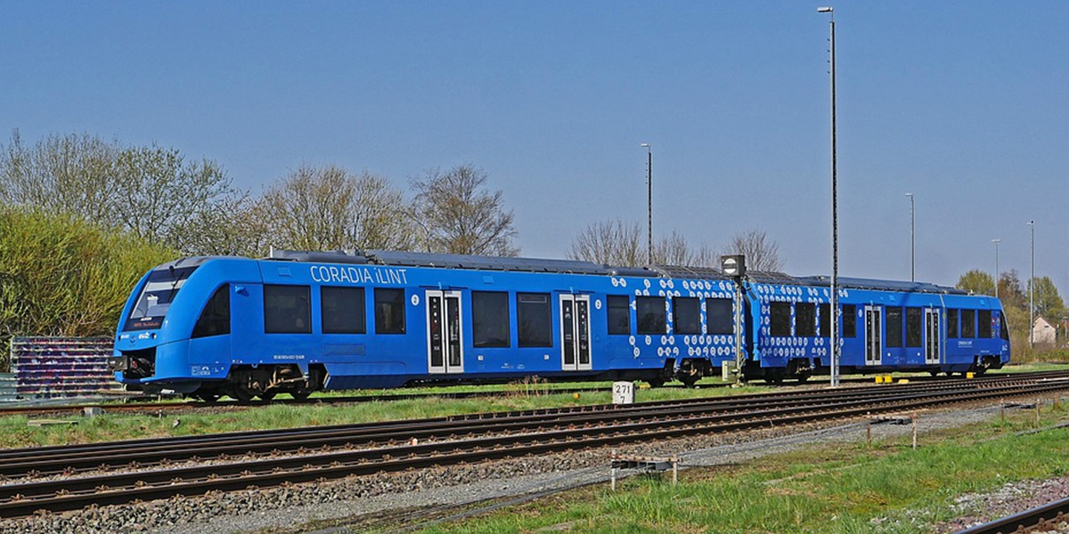 Alstrom's Coradia iLint the world's first hydrogen-powered train (Pixabay)