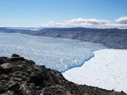 Receding glacier in Greenland. Photo: mashable.com