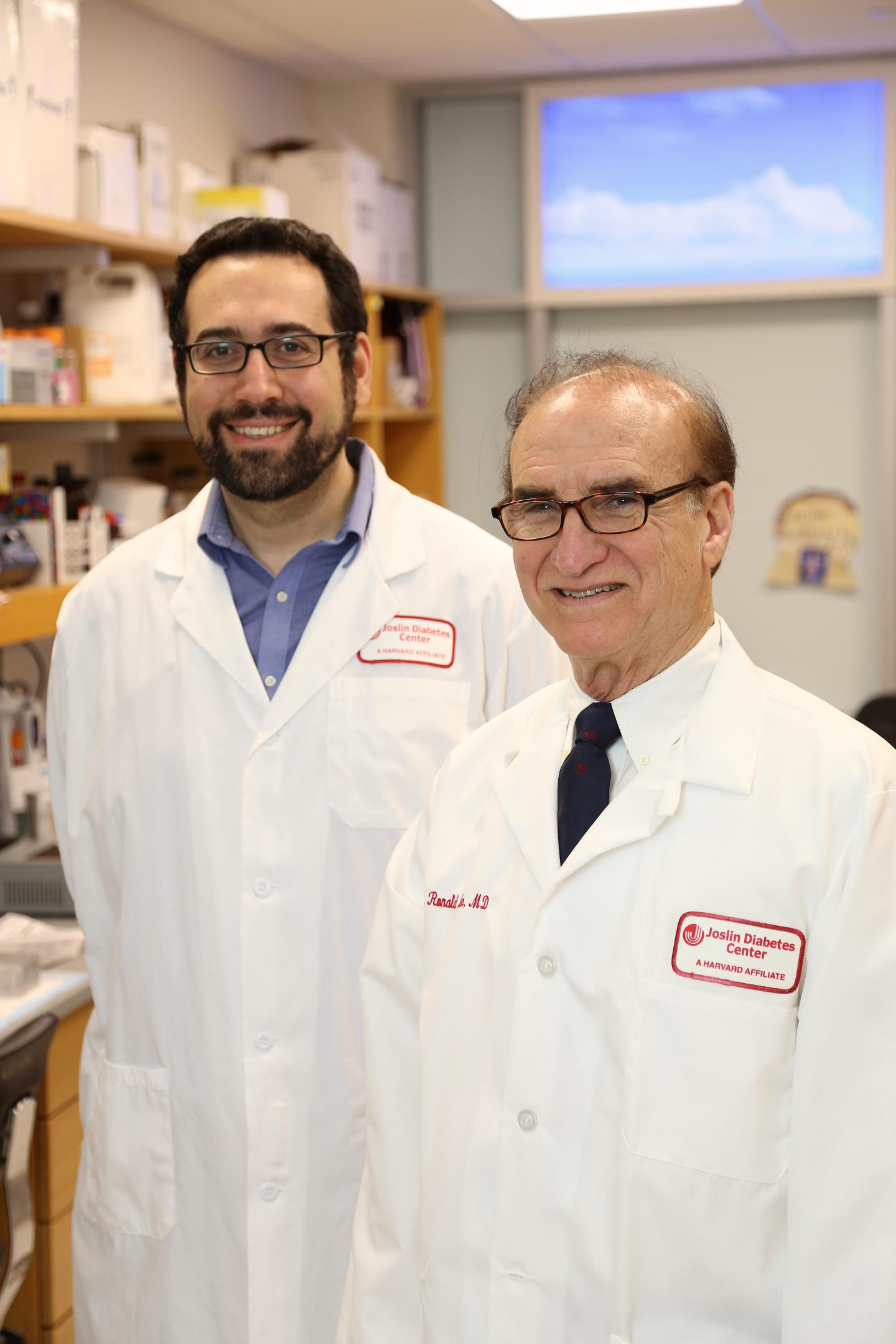 Emrah Altindis, PhD, research fellow in the section on Integrative Physiology And Metabolism at Joslin Diabetes Center, and C. Ronald Kahn, MD, Senior Investigator, Head of the Section on Integrative Physiology and Metabolism and Chief Academic Officer at Joslin Diabetes Center and the Mary K. Iacocca Professor of Medicine at Harvard Medical School  / Credit: Stephanie McPherson
