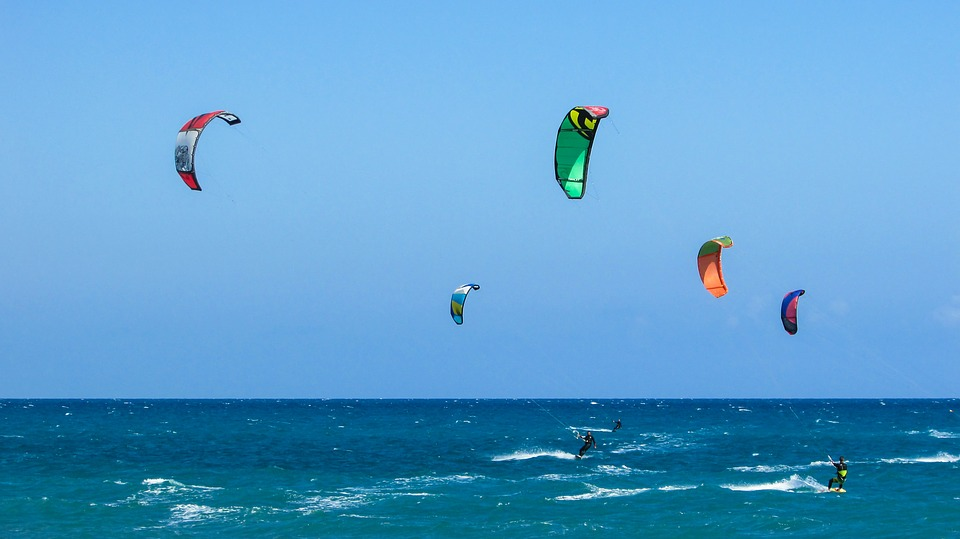 Are kites the key to generating more consistent wind power? Photo: Pixabay