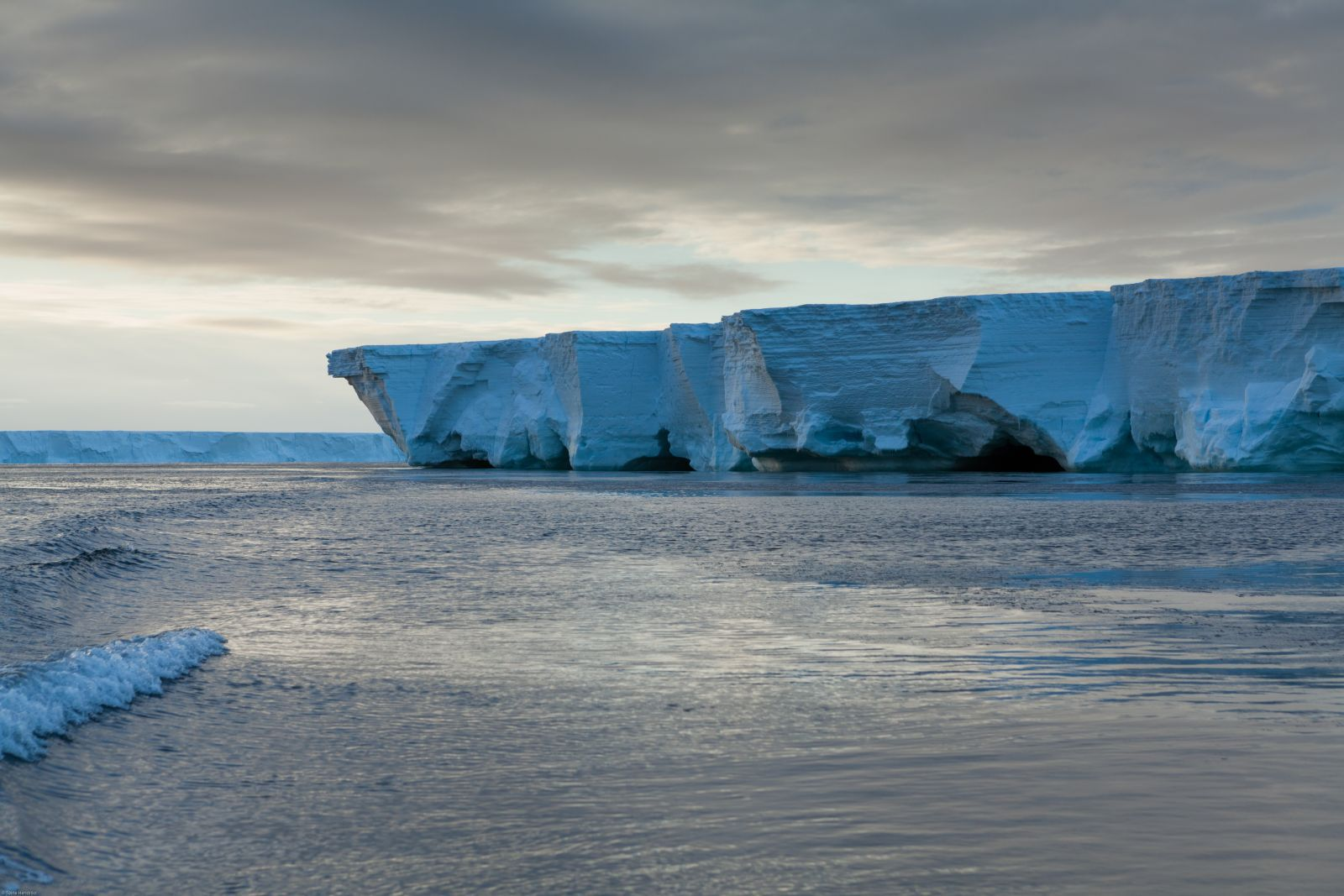 The Ross Ice Shelf. Photo: Oceanwide Expeditions