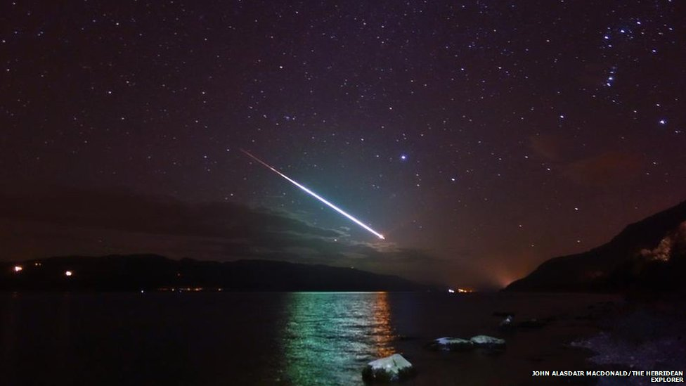 A meteor captured by a tour guide on the shores of Loch Ness